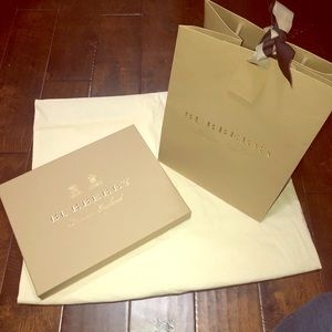 Burberry empty bag and empty box with envelope